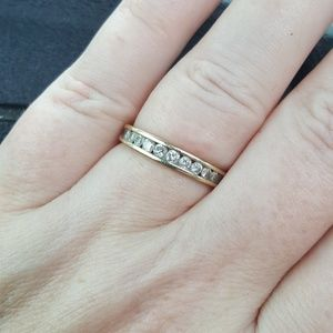 14k Gold Diamond Band Ring 7